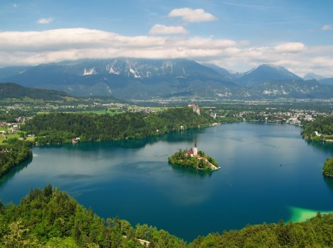 Panoramic view of Lake Bled with  St. Mary´s Church of the Assumptionon on the small island